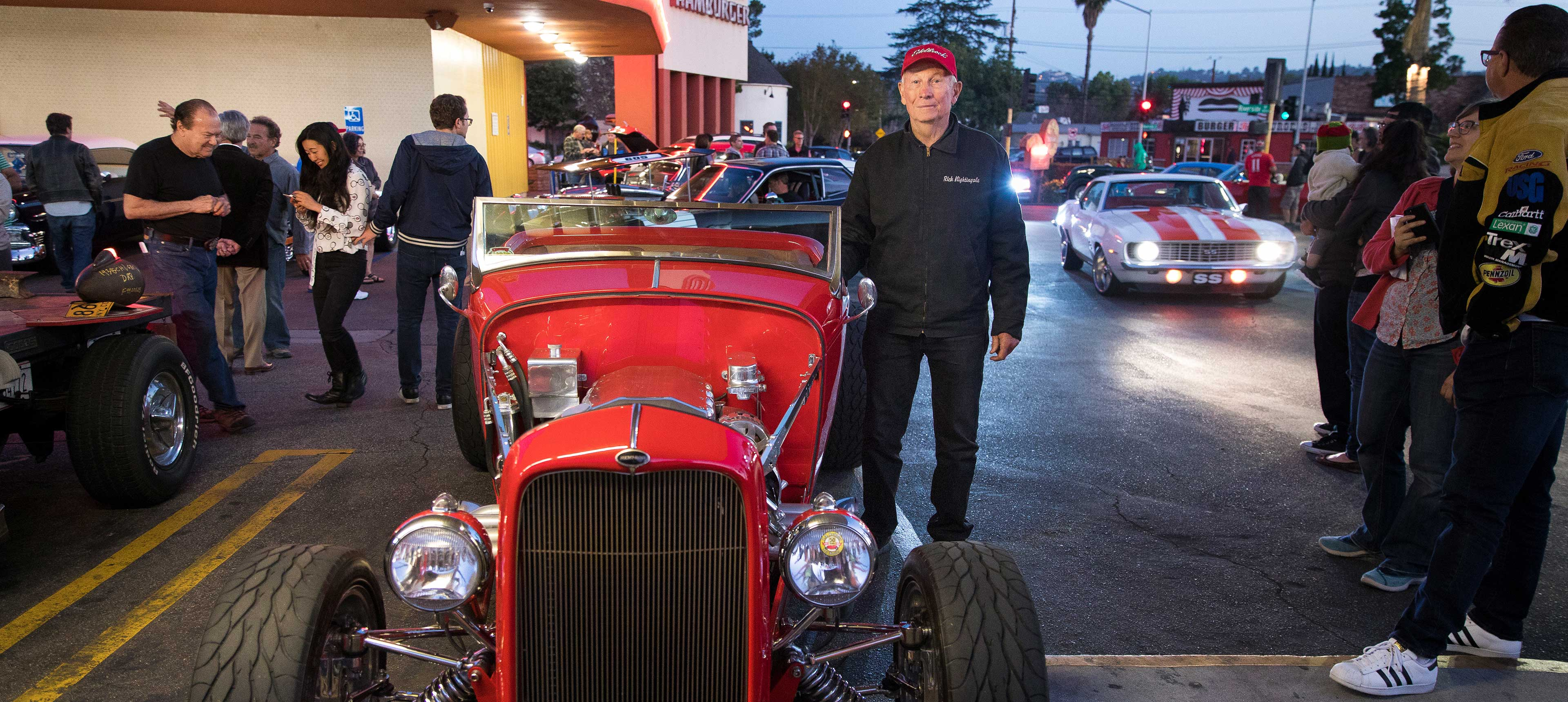 Cruising At The Car Show Toluca Lake - Classic car show california