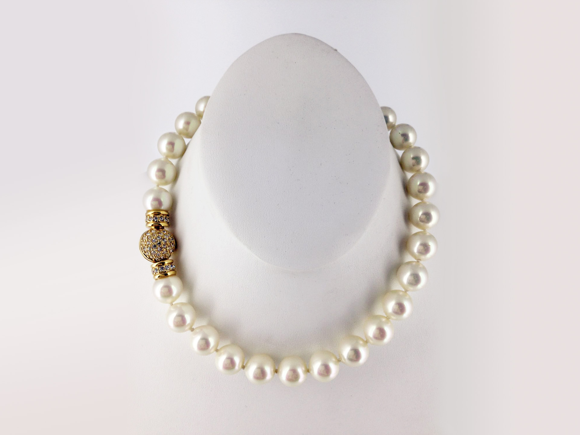 the-history-heritage-and-timeless-heirlooms-of-harry-p-archinal-9-dior-prym-pearl-necklace
